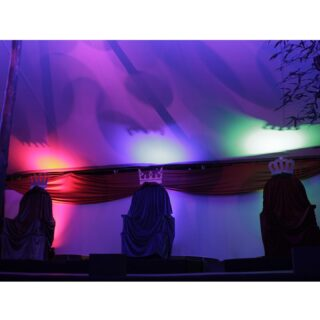 🖊 La Nit més Màgica 💫 📌 Ubicació: En algun lloc d'Orient 🌍 🛠 Material: *Or *Encens *Mirra *Carbó (per alguns) #culturasegura #femesdeveniments #wemakeevents #music #musica #stage #escenarios #sound #sonido #so #light #lighting #estructura #barcelona #nadal2020 #feliç2021 #reismags #campamentsreials #instagram #larulot #larulotrules #somespectacle